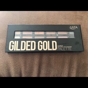 2 nudes/golds eyeshadow palette